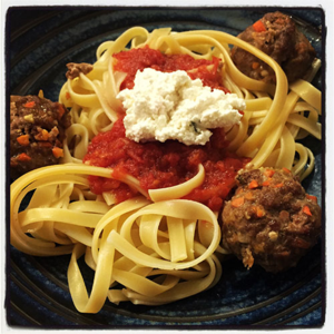 Pasta with Meatballs and Farmer' Cheese